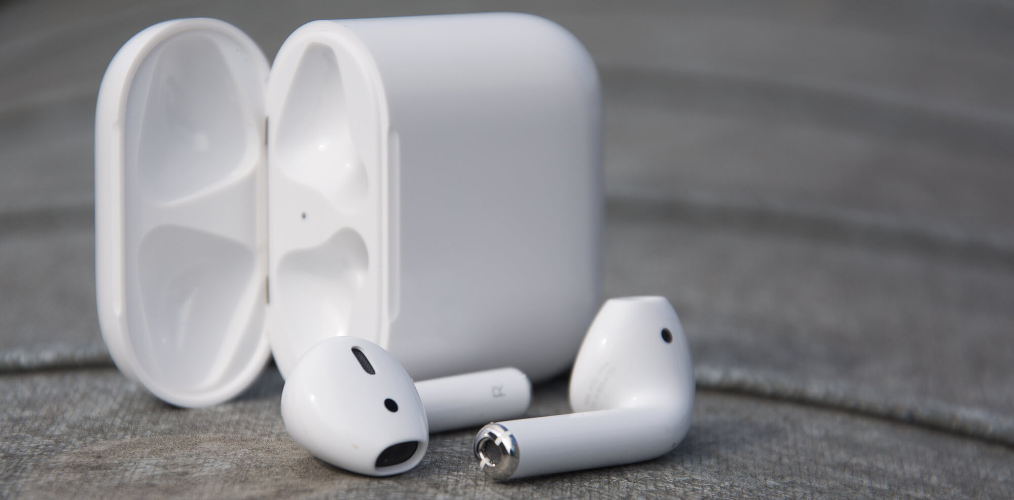 Apple AirPods<